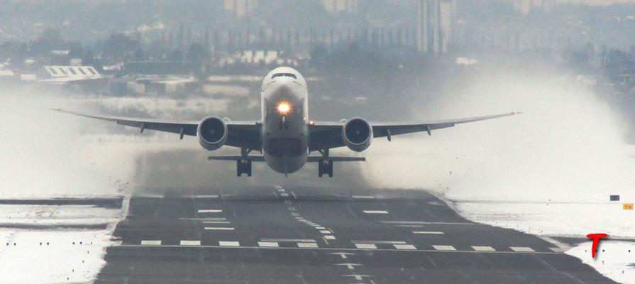 aircraft takeoff snowing 9 Ocak 2015 iptal olan seferler